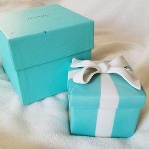 Vintage Tiffany & Co. Large Bow Porcelain Gift Box